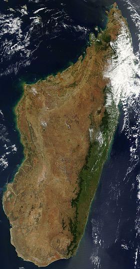 Satellite image of Madagascar in September 2003.jpg