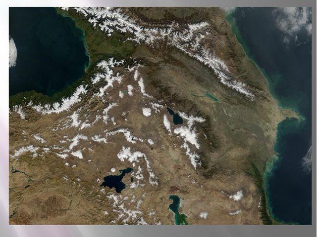 13. Назовите три пограничные с Россией страны СНГ и их столицы.