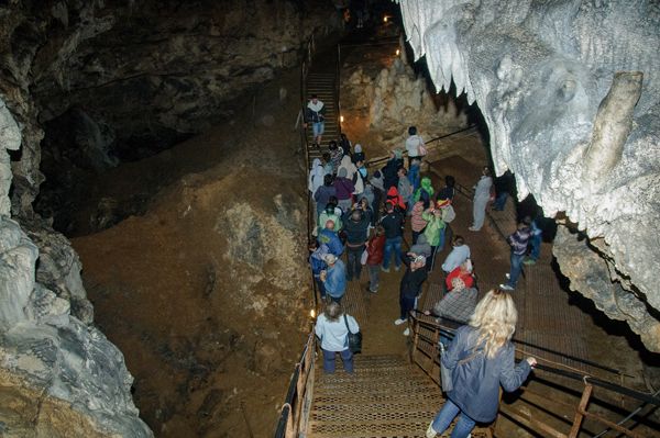 нижний зал Большой Азишской пещеры