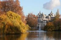 Парк святого Джеймса в Лондоне (Фото: Rovenko Design, Shutterstock)