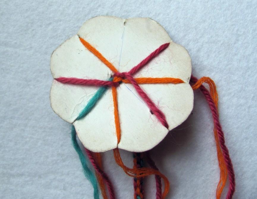 Русская народная кукла пояс фенечка плетение2