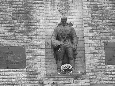 В Таллине повторно осквернен памятник Воину-освободителю