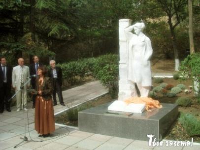 http://www.tvoya-gazeta.com/images/stories/10_2012/pamiatnik_2012_10_15.jpg
