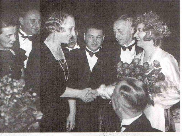 В 1933 году Ивану Алексеевичу Бунину, первому из русских писателей, была при...