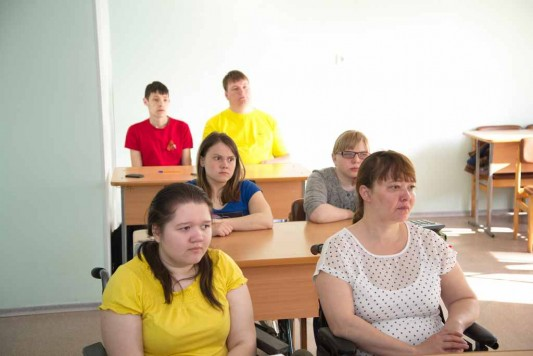 http://kungur-ti.ru/images/gallery/9%20maya/vsig_images/2015-05-07_00002_533_356_90.jpg