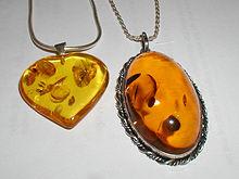 C:\Users\User\Downloads\220px-Amber.pendants.800pix.050203.jpg