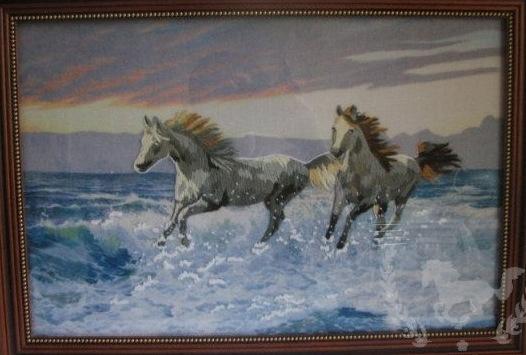 Белые кони.jpg