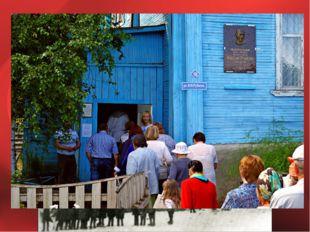 После смерти матери Николая направили в Никольский детский дом в Вологодской