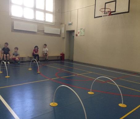 C:\Users\пользователь\Desktop\фото школа\волейбол лыжи футбол бадминтон легкая атлетикаплавание\плавание и веселые старты\IMG_3303.JPG