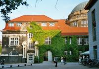 http://upload.wikimedia.org/wikipedia/commons/thumb/5/5f/Hamburg-university-2005-05.png/200px-Hamburg-university-2005-05.png