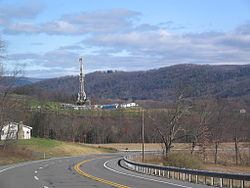http://upload.wikimedia.org/wikipedia/commons/thumb/7/7b/Marcellus_Shale_Gas_Drilling_Tower_1.jpg/250px-Marcellus_Shale_Gas_Drilling_Tower_1.jpg