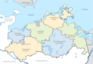http://upload.wikimedia.org/wikipedia/commons/thumb/c/c9/Mecklenburg-Vorpommern_districts_2011_colored_labeled.svg/325px-Mecklenburg-Vorpommern_districts_2011_colored_labeled.svg.png