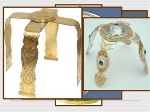 Копие - напоминает то копье, которым было пронзено тело Иисуса Христа на крес