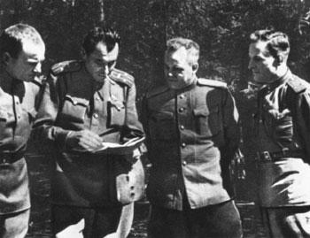 валентин катаев — военный корреспондент. калининский фронт. 1943 г.
