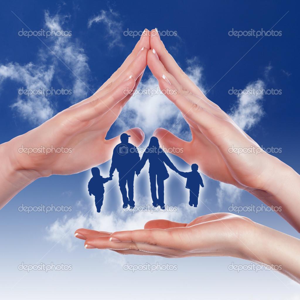 http://static9.depositphotos.com/1000423/1239/i/950/depositphotos_12392023-Family-and-house.jpg