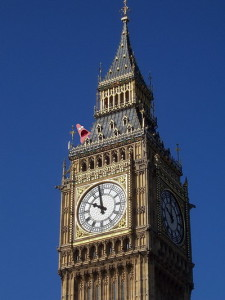 даже над известными часами шутят 1 апреля в Англии
