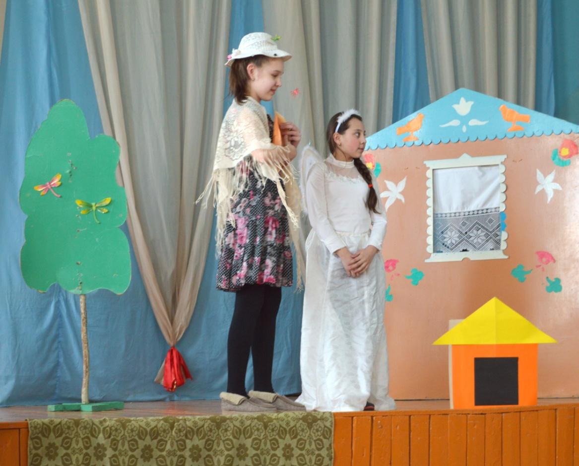 D:\ФОТО\school childs\сценарии постановка\девочка наступившая на хлеб\DSC_0722.JPG