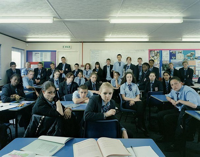 Английские школьники за партами