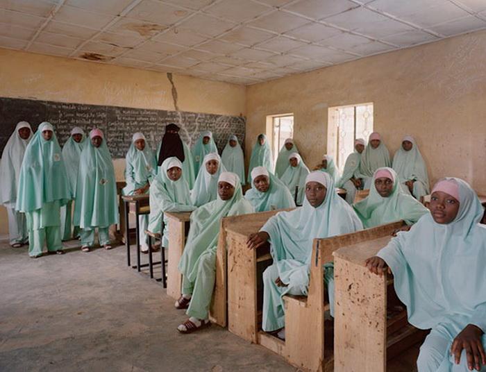 Школьная фотография на уроке социологии в Нигерии (г. Кано)