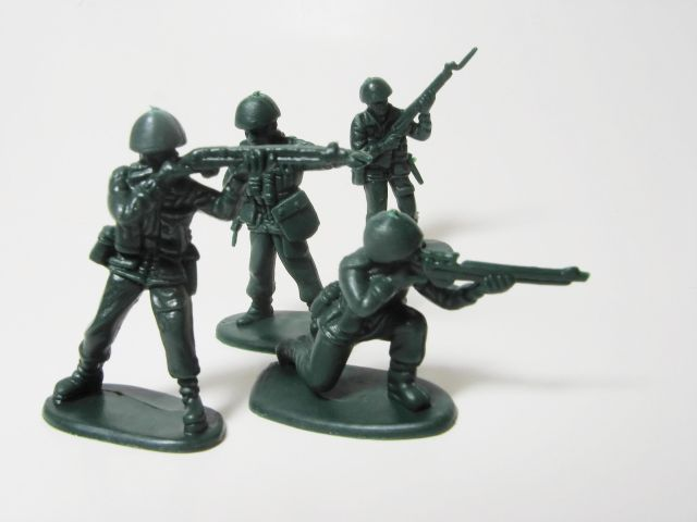 http://cafesenior.pl/wp-content/uploads/2013/07/toysoldiers.jpg