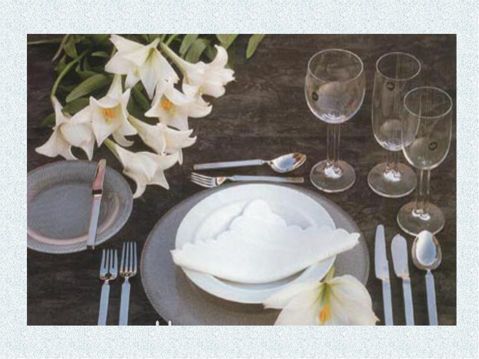 УКРАШЕНИЕ СТОЛА САЛФЕТКАМИ Самый простой и элегантный способ украсить стол с...