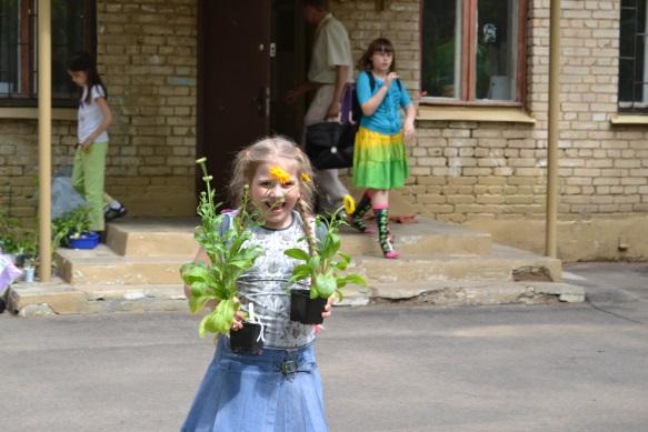 F:\1 класс 21 век\цветы проект\сажаем цветы\DSC_0229.JPG