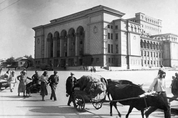 C:\Users\Юрий\Downloads\Рисунки\Сталино в 1943 году фото\2-067872.jpg