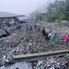 Мусорная лавина в городе багио (филиппины)