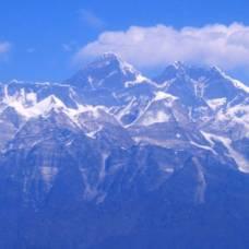 Власти непала бьют тревогу: на эвересте слишком много фекалий и мочи