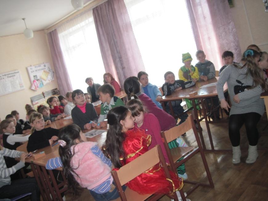 D:\ФОТО\ОШ №3\ПРАВА ДИТИНИ\Права дитини Квітень 2012\Маленьким дітям великі права Квітень 2012\IMG_6893.JPG