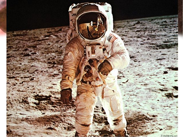 17. Кто стал первым человеком, ступившим на поверхность Луны? Ответ: Нил Армс...