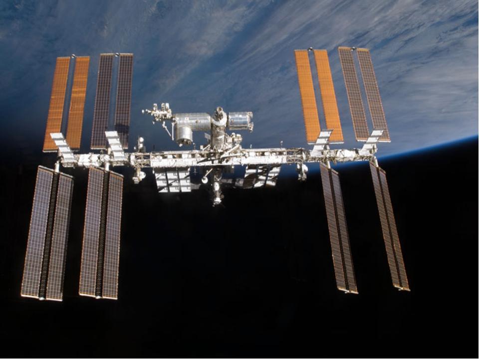 Астронавты на луне Исследованы практически все планеты Солнечной системы. Мар...