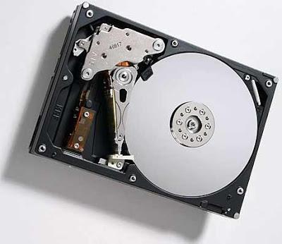 http://bp0.blogger.com/_UWPsw_DgfYM/Rueqy87Ep_I/AAAAAAAAAfA/jle_rwIs1-c/s400/storage_08.jpg