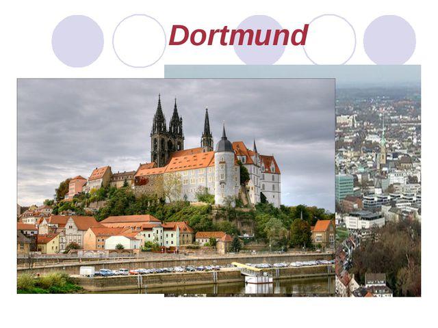 Dortmund liegt im Westen Deutschlands im Ruhrgebiet. Wahrzeichen der Stadt si...
