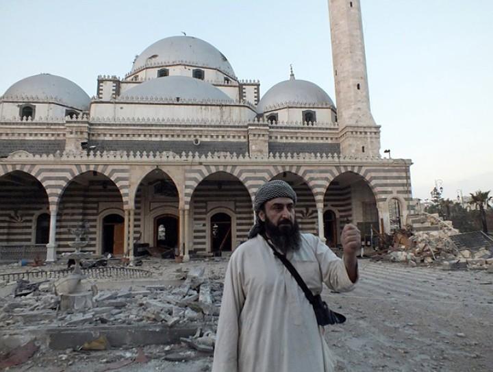 В старом Хомсе разрушена мечеть Ибн аль-Валида