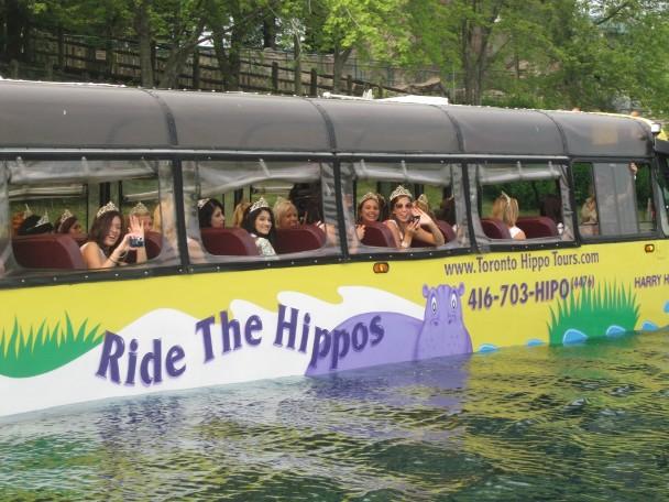 Плавающий автобус, Канада