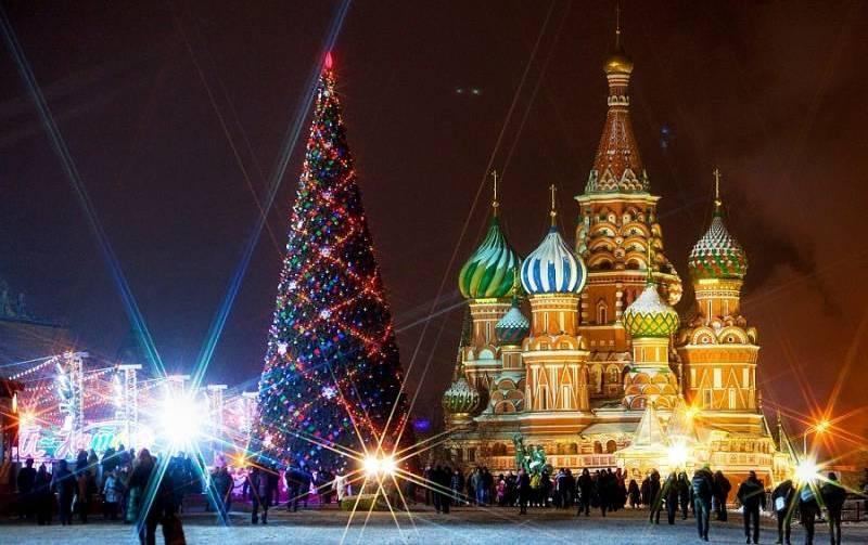 F:\все материалы для защиты 1 категории Настя\Работа с родителями\Классный час Сказочное рождество\картинки\Кремлевская елка.jpg