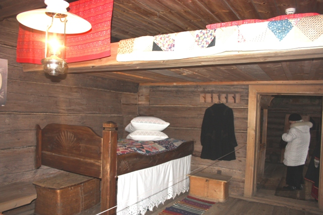 C:\Users\123\Desktop\Новая папка\дом\suzdal-museum-of-wooden-architecture-bed1.jpg