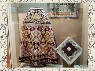 В конце XVІІІ века кружева плели из серебряных и золотых нитей, а в изделия