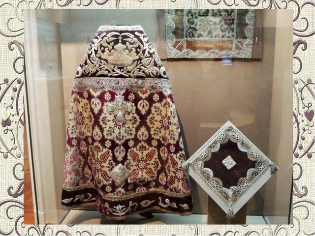 В конце XVІІІ века кружева плели из серебряных и золотых нитей, а в изделия...