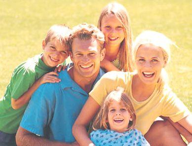 http://4.bp.blogspot.com/-o9mHsJgkxYU/TeiBzjcScKI/AAAAAAAACqE/at6YoCEFjJM/s1600/assurance_happy_family_sunshine.jpg