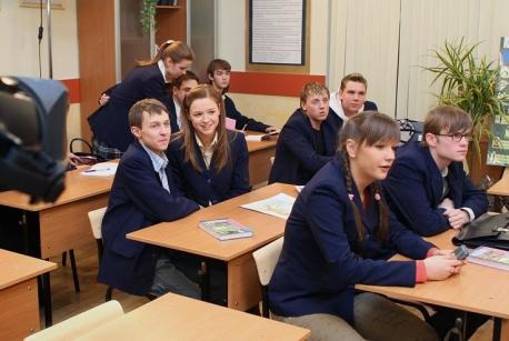 http://1.bp.blogspot.com/-rlz-D2ew3E8/VTkRVd07O6I/AAAAAAAAEzc/DIG9GGIV3pc/s1600/lrg-334-starsheklassniki_foto.jpg