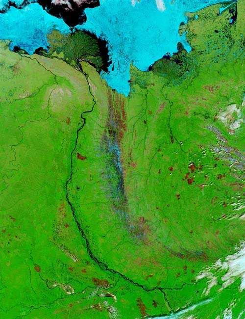 http://900igr.net/data/o-zhivotnykh/_Sibir-2.files/0024-035-Reka-lena-iz-kosmosa.jpg