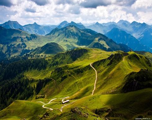 http://www.widewallpapers.ru/mod/nature/mountains/1366x768/mountains-1366x768-006.jpg