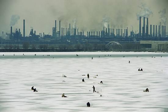 http://greenword.ru/images/icefishing.jpg
