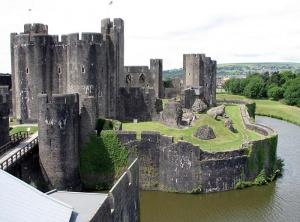 Замок в городе Кайрфилли в Южном Уэльсе был возведен в 1268 - 1271 годах по приказу барона Гилберта де Клера