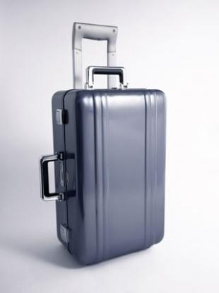 The Zeroller Polished Blue, $995: чемодан, который выдержит все