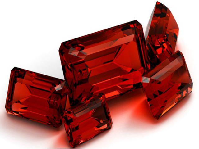 Есть и представители самых больших и крошечных кристаллов. Хранятся они в Авс...