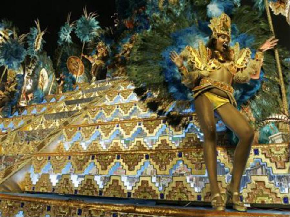 Истоки бразильского карнавала лежат в ритуальных плясках Черной Африки, пульс...