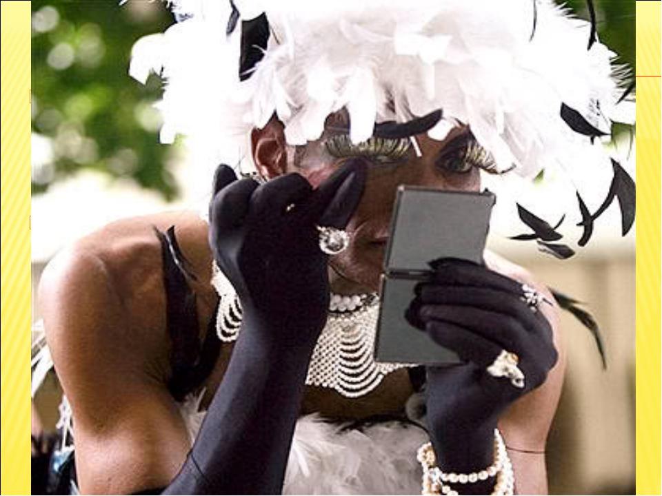 """Традиционно карнавал начинается с """"официальной части"""" - символической передач..."""